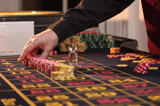 casino terrestre croupier roulette